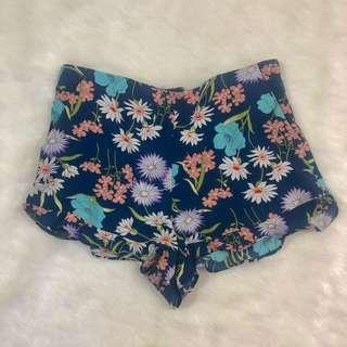 Forever 21 floral ruffled shorts
