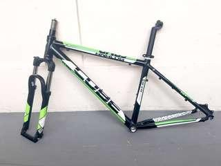 Used Bicycle Components — CUBE Frame + Rockshox Fork + Extras
