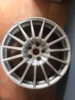 Aston Martin rim