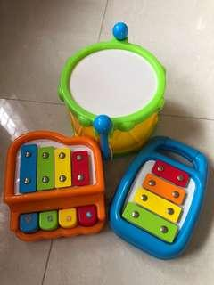 Toy R Us music instruments