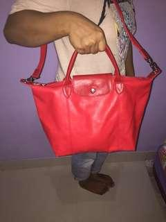 Tas Longchamp Cuir Size M Red