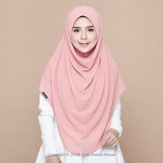 🚚 Brand New SheShawlsHouse Layla in Salamander (L) OOS in store