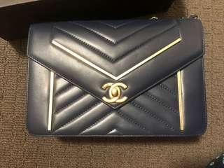 Women's handbag purse bag clutch tote flap quilted gold hardware cc logo designer chevron navy blue