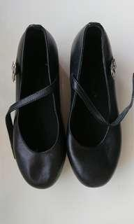 Tap shoes for child. Good quality and good condition.