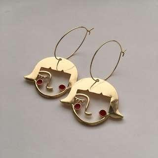 GIRL RED CHEEK GOLD FACE EARRINGS