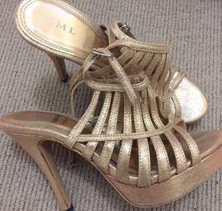 heels gold murah