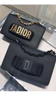 Dior revolution 迷你黑金鏈包