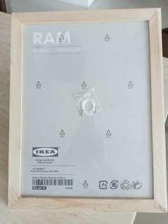IKEA RAM picture frame 30x40 cm