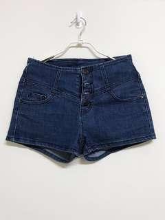 四排釦牛仔短褲