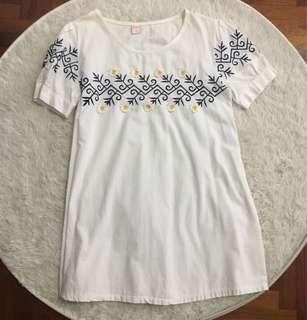 🚚 White Daisy Embroidery Babydoll Dress / Top