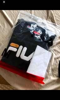 🚚 Fila sweater