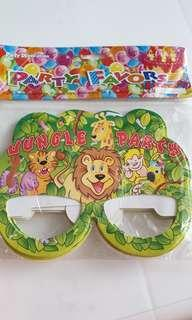 Party favour pack of 8
