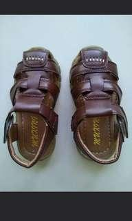 🚚 Kid leather shoes in brown colour