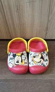 🚚 Authentic Disney Mickey Crocs. Brand New