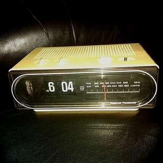 NATIONAL PANASONIC Old Desk Flip Clock Radio