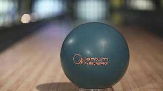 🚚 Brunswick Quantum Forest Green Bowling Ball