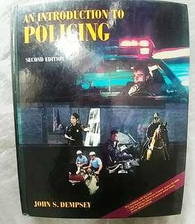 An Introducion To Policing  (2nd edition)