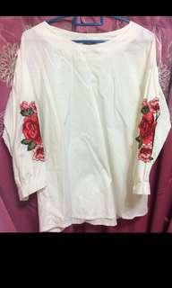 Embroidered puffy sleeve top