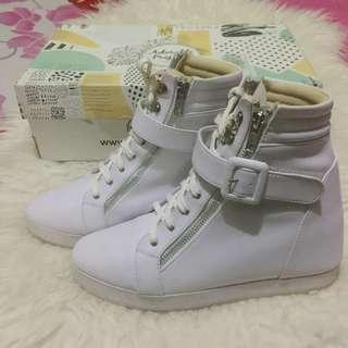 SALE‼️Adorable Project (White High Sneaker)