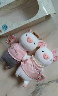Pair of piggy plush toy