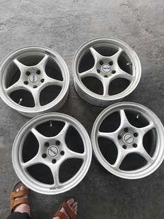 Enkei rp01 17寸 5hole pcd 114.3  7jj offset 40 good codition +set nut and key +center con togather