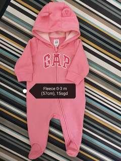 🚚 Baby suit
