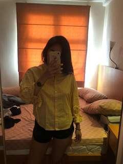 #kemejalama yellow buttoned up