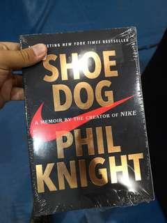 (nike) Shoes dog phil knight
