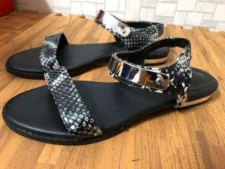 🚚 韓國 二手蛇皮平底鞋