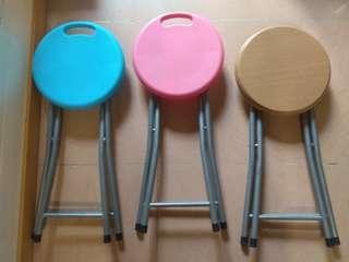 日本城 圓摺凳 3張 , round folding chairs