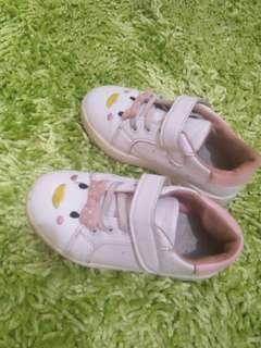 Sepatu kets anak lucu