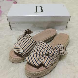 SALE‼️ Berrybenka ribbon Sandal
