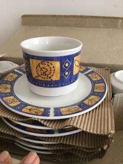 Fine Chinaware Tea Set -12 pieces