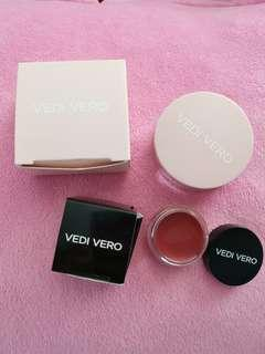 🚚 Vedi Vero Loose Powder & Lips color
