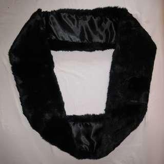 毛毛圓形頸巾 (黑色) #sellmar19