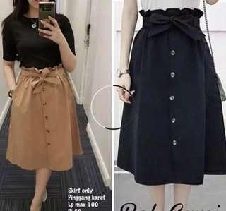 BUTTON BELTED SKIRT