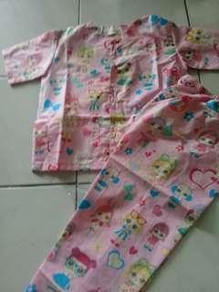 Baju tidur anak perempuan untuk usia 4-6 thn