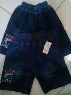 Celana jeans pendek untuk anak usia 1-2 thn