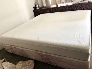 🚚 Tempur 'Sensation' King Size Mattress