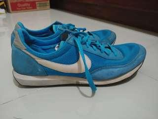 Sepatu Nike Waffle Running International
