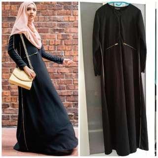 Black jubah