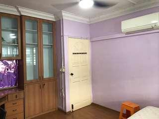 549 Jurong west st 42 Common room for rent
