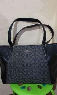Preloved shoulder Coach bag