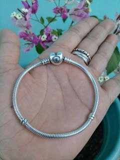 Original pandora bracelet 19cm.