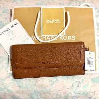 REPRICED‼️ Michael Kors Hayes Flat Wallet