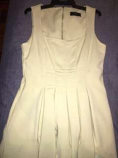Structured square neckline Lemon yellow Cue dress size 14
