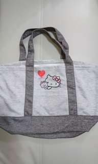 全新 日本購入 Hello Kitty 布袋,原本連睡衣-set,現只剩袋,約30cm X 48cm X 18cm