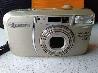 Camera yashica zoomate 115