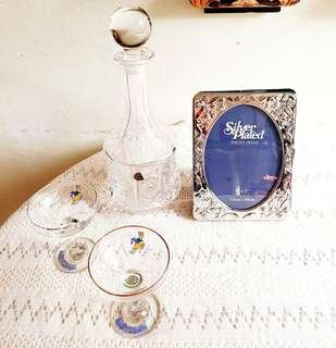 """Vintage Silver-plated Victoria-style 5"""" x 7"""" Photo frame. It has table stand & 24 pockets for photos. Unused, Ok Condition & still Pretty, only has unobvious tarnish or silver dross. Not for fussy buyer.  $15 offer! WhatsApp 96337309."""