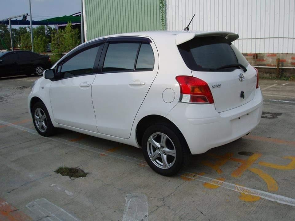2011年 豐田 Toyota  Yaris小鴨  1.5  白色